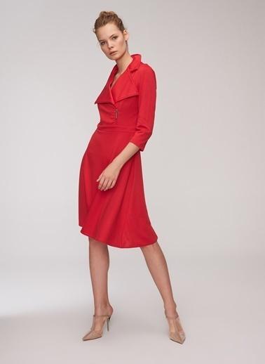 People By Fabrika Anvelop Etekli Elbise Kırmızı